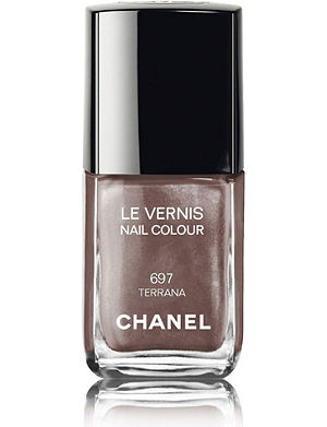 <strong>LE VERNIS<strong> Nail Colour