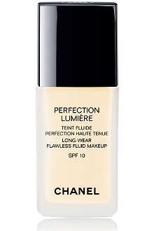 CHANEL PERFECTION LUMIÈRE Long–Wear Flawless Fluid Makeup SPF 10
