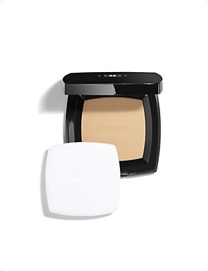 CHANEL <strong>POUDRE UNIVERSELLE COMPACTE</strong> Natural Finish Pressed Powder