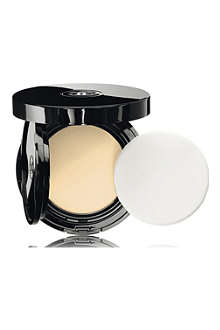 CHANEL VITALUMIÈRE AQUA Fresh and Hydrating Cream Compact Makeup SPF 15