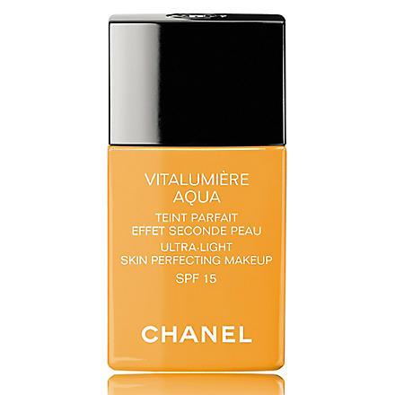 CHANEL VITALUMIÈRE AQUA Ultra–Light Skin Perfecting Makeup Instant Natural Radiance SPF 15 (Beige+ambre+muscade