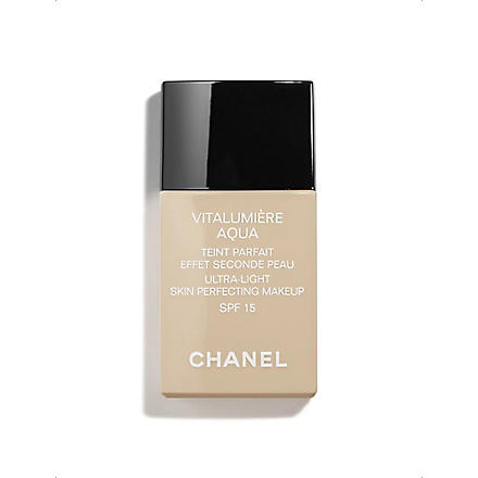 CHANEL VITALUMIÈRE AQUA Ultra–Light Skin Perfecting Makeup Instant Natural Radiance SPF 15 (Beige