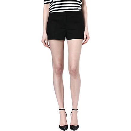 MICHAEL KORS Contrast-piping shorts (Black