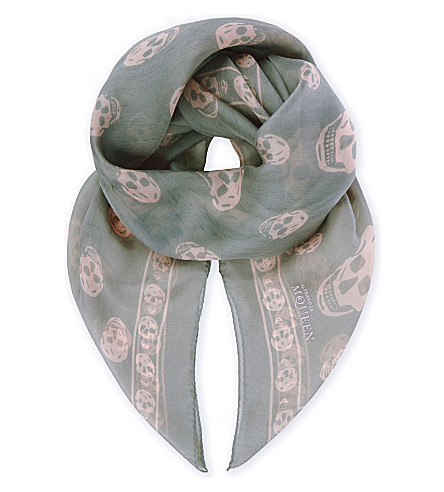 ALEXANDER MCQUEEN Skull silk scarf (Grey/pink