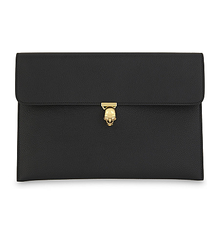 ALEXANDER MCQUEEN Skull clasp leather pouch (Black+gold