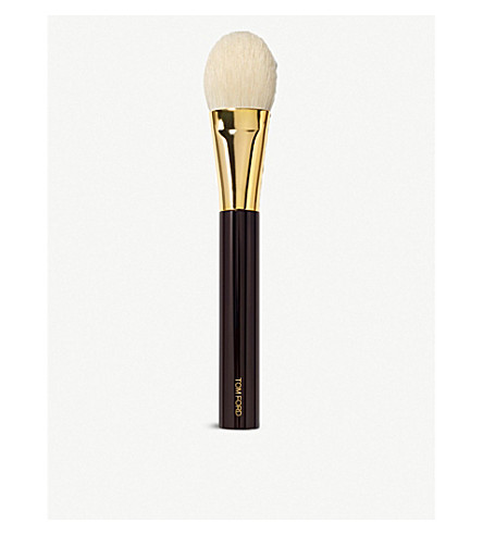 TOM FORD Brushes cheek