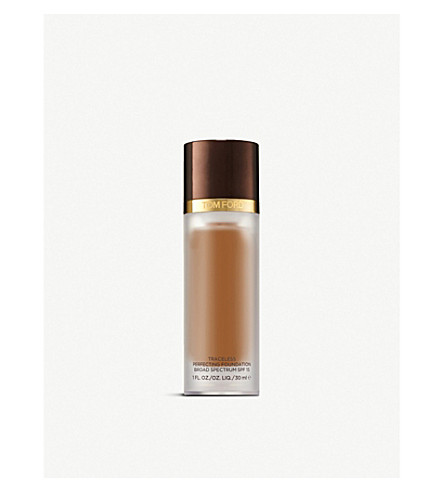 TOM FORD Traceless Perfecting Foundation SPF 15 (Almond