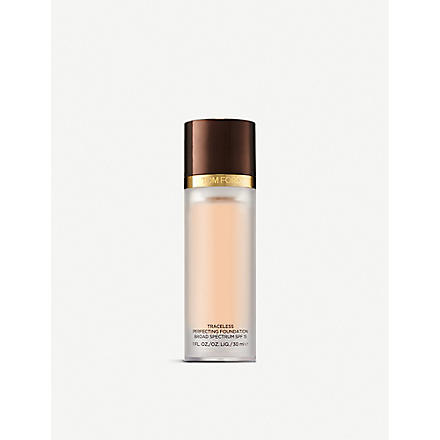 TOM FORD Traceless Perfecting Foundation SPF 15 (Cream