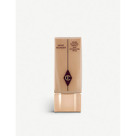 CHARLOTTE TILBURY Light Wonder foundation SPF 15 (Dark 09