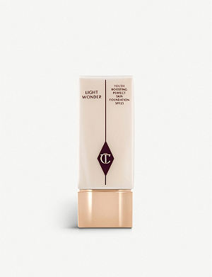 CHARLOTTE TILBURY Light Wonder foundation SPF 15