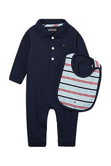 TOMMY HILFIGER Pique baby sleeper and bib gift box 0-9 months