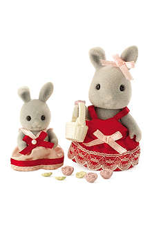 SYLVANIAN FAMILIES Bridesmaids and flower girl set
