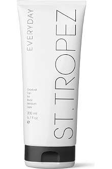 ST. TROPEZ Everyday Gradual Tan face and body moisturiser — medium/dark 200ml