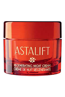 ASTALIFT Regenerating Night cream
