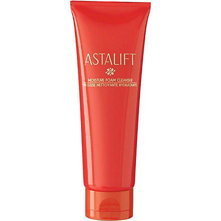 ASTALIFT Moisture Foam Cleanser