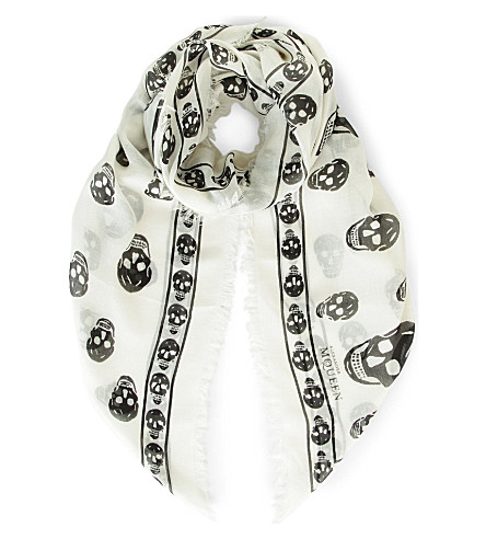 ALEXANDER MCQUEEN Skull-print modal and cashmere-blend pashmina (Ivory+black