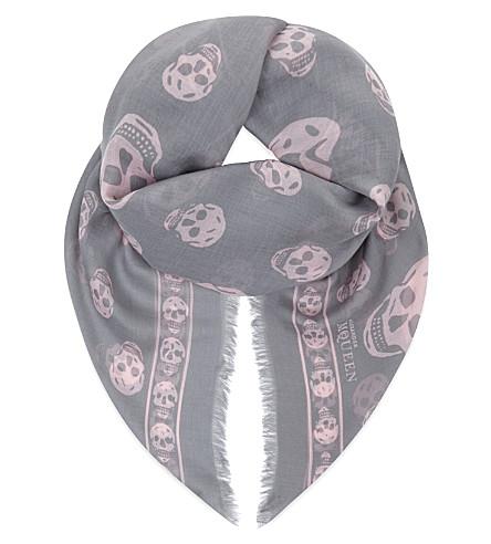 ALEXANDER MCQUEEN Skull-print modal-silk pashmina (Lead/pink