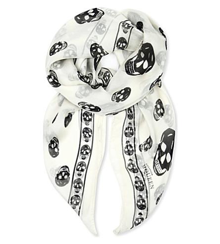 ALEXANDER MCQUEEN 头骨印花丝绸-雪纺围巾 (象牙/黑色