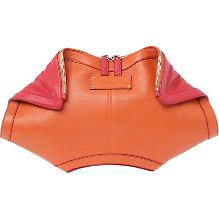 ALEXANDER MCQUEEN De Manta leather clutch (Orange/shiny red