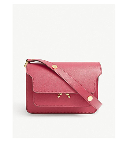 Trunk small grained leather shoulder bag