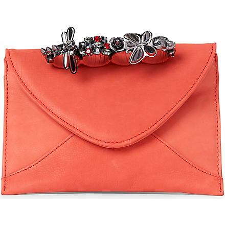 MAISON DU POSH Knuckle envelope clutch