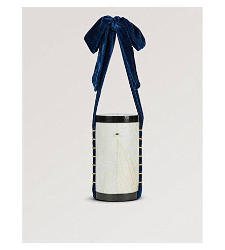 NATHALIE TRAD Edith Kabibe shell cone bag (White+navy