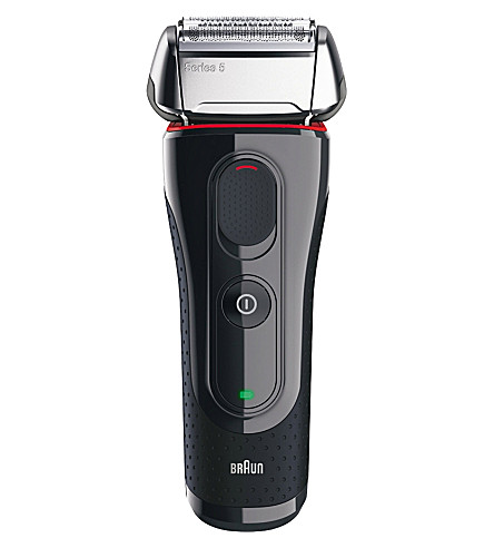 BRAUN Electric shaver with Clean & Charge station