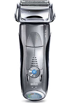 PHILIPS Series 7 Clean & Renew wet/dry electric shaver