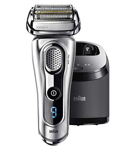 BRAUN Series 9 wet and dry smart shaver with clean station