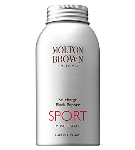 MOLTON BROWN Re-charge black pepper sport muscle soak