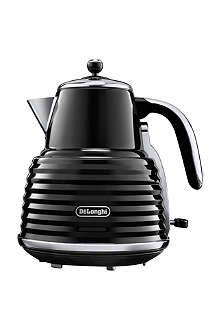 DELONGHI Scultura kettle in black