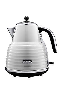 DELONGHI Scultura kettle in white