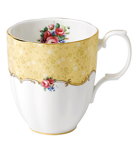 ROYAL ALBERT 100 years bouquet mug (1990's)