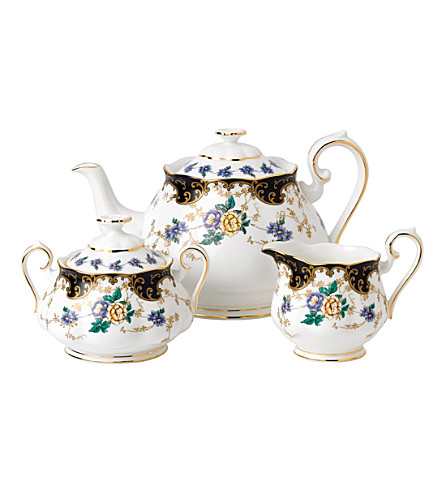 ROYAL ALBERT 100years 1910 duchess teapot, sugar and milk set
