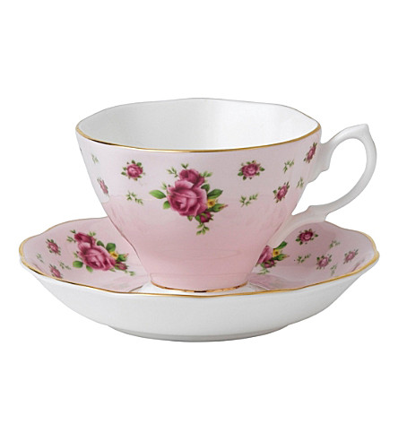 ROYAL ALBERT New Country Roses teacup and saucer set