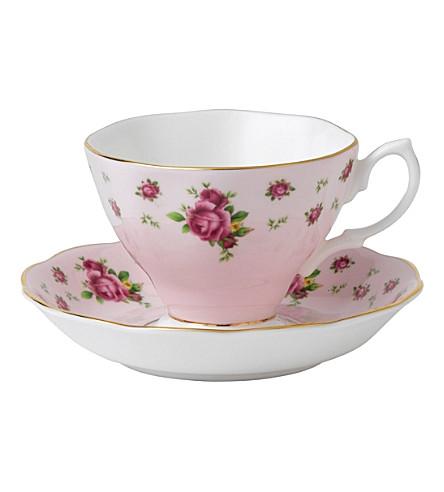 ROYAL ALBERT 新国家玫瑰茶杯和茶碟设置