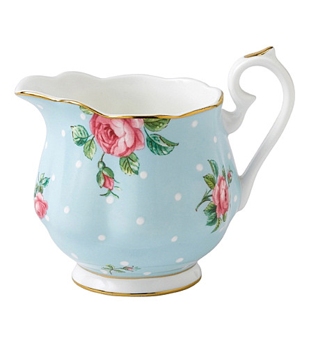 ROYAL ALBERT Polka Blue creamer