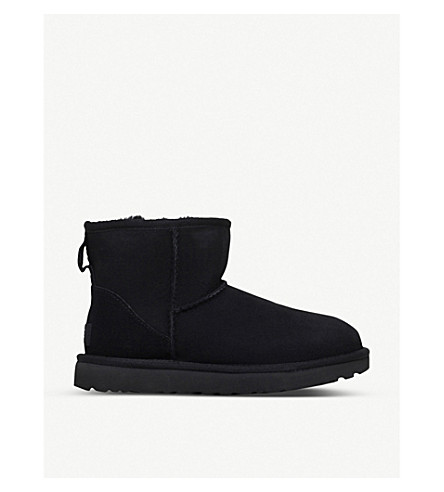 UGG Classic ll Mini sheepskin boots (Black