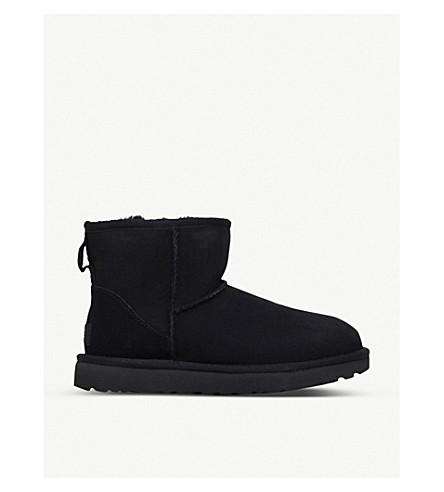 UGG经典迷你羊皮靴子 (黑色