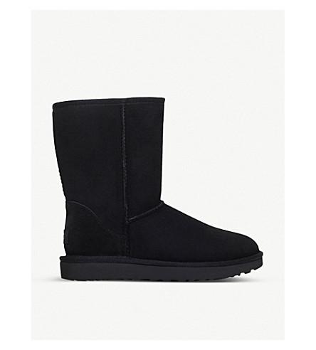 UGG Classic ll Short sheepskin boots (Black
