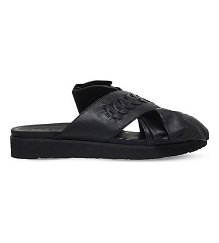 UGG UGG x PREEN Raven Bow leather sandals (Black