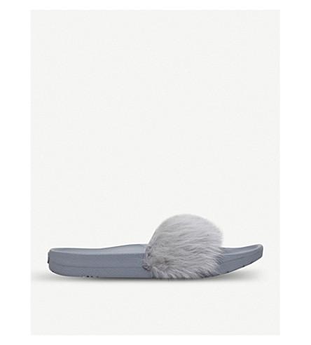 UGG Royale sheepskin sliders (Grey