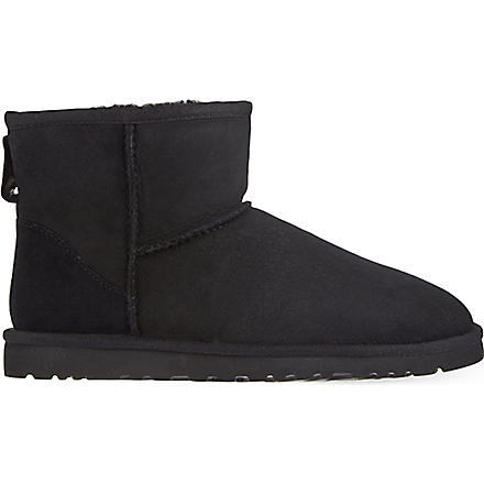 UGG Classic Mini sheepskin boots (Black