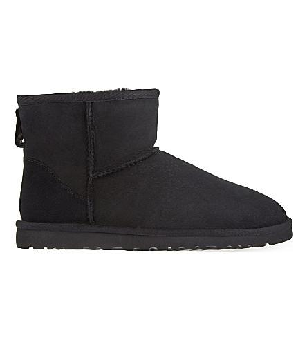 UGG Classic Mini sheepskin boots (Black