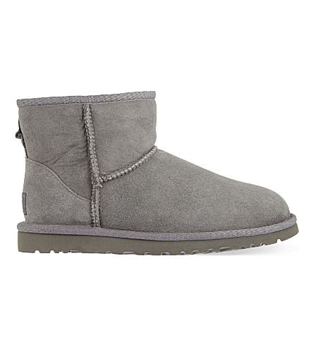 UGG Classic Mini sheepskin boots (Grey