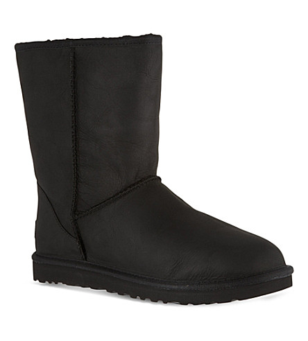 UGG Classic short leather boots (Black