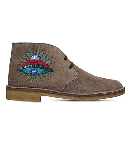 GUCCI New Moreau UFO suede desert boots (Beige