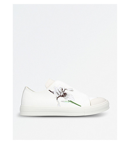 ALEXANDER MCQUEEN Iris floral-embroidered fabric trainers (White/comb