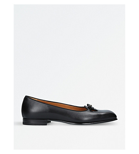 GUCCI Show Fancy leather slip-on shoes (Black