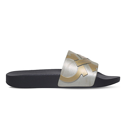 SALVATORE FERRAGAMO Gancho rubber slide sandals (Gold+comb